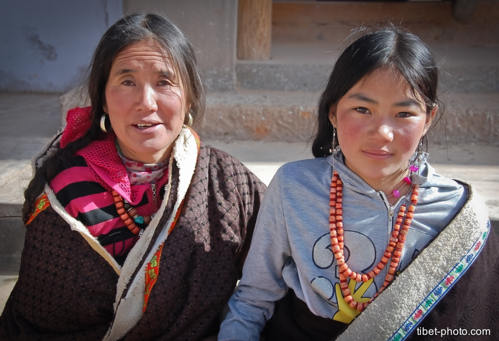 Tibetan ladies from Rebkong